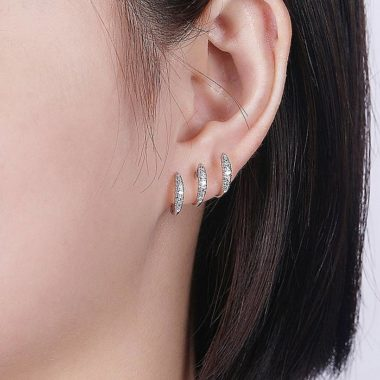 Curve J Huggie Earrings in 14k White Gold with Round Diamonds
