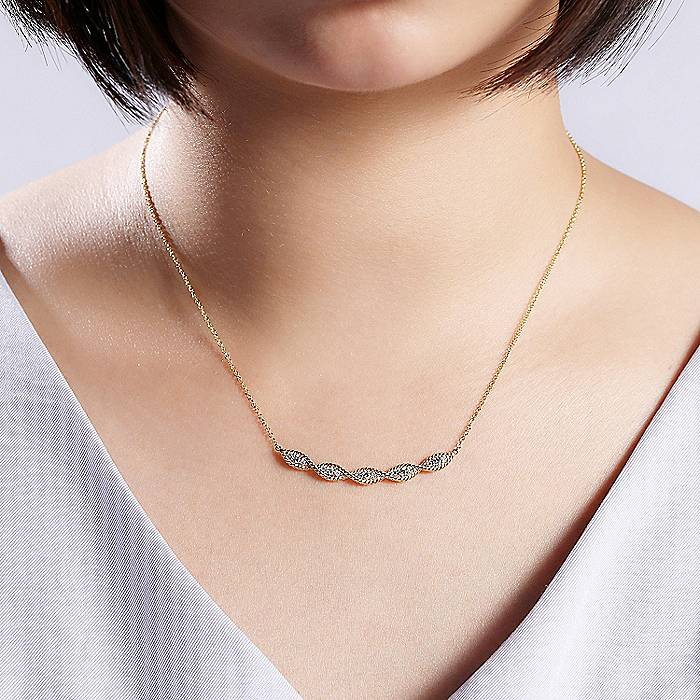Twisted Curve Diamond Bar Necklace Wearing